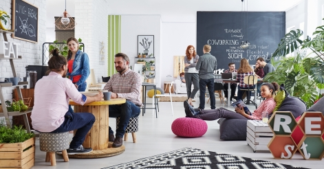 L'attribut alt de cette image est vide, son nom de fichier est paristic-agence-decoration-murale-bureaux-entreprise-partage.jpg.