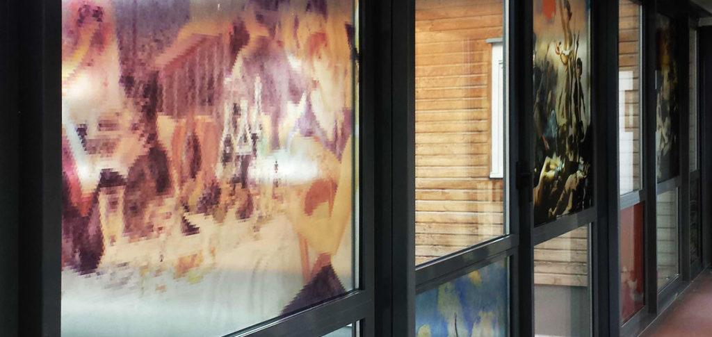 Vitrophanie pour hotel façon peinture